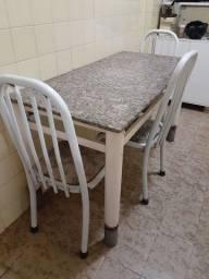 Vendo mesa ferro retangular tampo granito