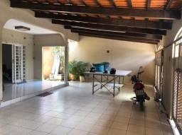Casa com 4 dormitórios à venda, 325 m² por R$ 500.000,00 - Vila Xavier - Goiânia/GO