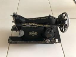 Máquina de costura Olympia