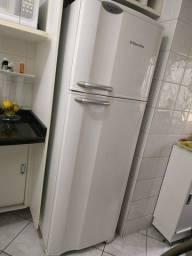 Geladeira/refrigerador Eletrolux Frost Free Df37