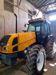 Trator Agrícola Valtra BM 125 ano 2010