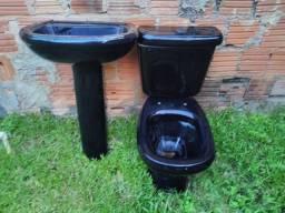 Kit vaso sanitário e pia preto