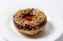 Divino Donuts contrata ajudante geral