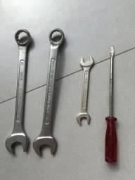 Kit chaves usadas em bom estado de conservação