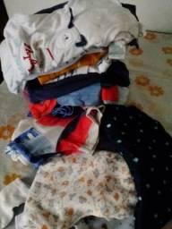 Doação de roupinhas para bebê menino