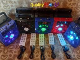 CAIXA DE SOM COM CONTROLE REMOTO E CABO USB.