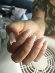 Alongamento de unhas e depilação