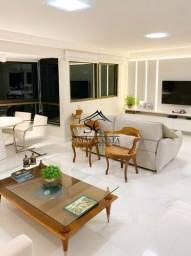Luxuoso Apartamento no Edf. Maria Roberta | Localização privilegiada | Vista para o Mar |