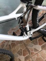 Vendo quadro de bike (só o quadro) quadro de downhill