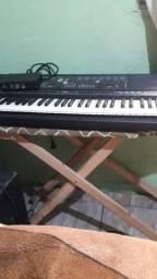 Vendo um teclado  Yamaha