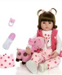 A boneca está novinha