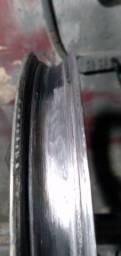 Reforma de jante de moto desempenhando só de alumínio