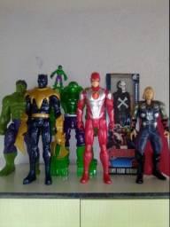 Bonecos Marvel vingadores