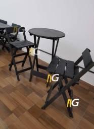 Mesa 70x70 com 4 Cadeiras Dobravéis