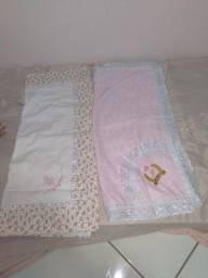 Duas mantas para bebê