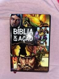 Biblia em desenho