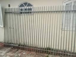 Grades e portões