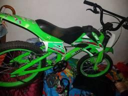 Vendo bicicleta infantil aro 16