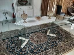Mesa de jantar 8 lugares tampo de vidro, pés de vidro com mármore travertino