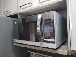 Micro-ondas LG EasyClean 30 litros prata