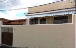 Casa 2 Qtos no Bairro Esplanada (3 min West Shopping, Garagem e Quintal Amplo)