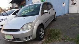 Carro barato e novo - 2006