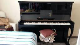 Piano acústico Liszt
