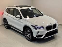 BMW X1 X-LINE 20i 19/19 C/9.000KM. TOP + TETO. LÉO CARETA VEÍCULOS - 2019