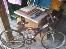 Torrando bicicleta