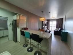 Apartamento de 2 Dormitórios com uma suíte localizado no Bairro Campinas, em São José