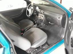 Carro Celta 2002