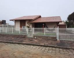 Casa na 1ª quadra - Balneário Rincão/Sc