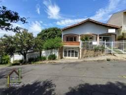 Deslumbrante casa com ótima localização em Socorro, Circuito das Águas.