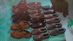 Vendo sapatilhas e botinas de couro
