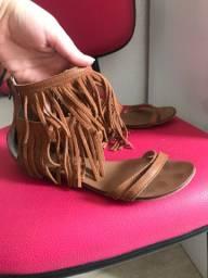 Sandália de franja Raphaella Booz tamanho 35