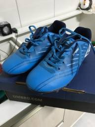 Chuteira Umbro Society Soccer Shoes