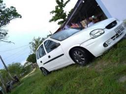 Corsa Hatch 2000