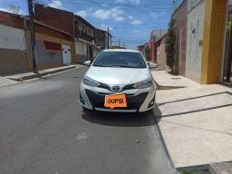 Toyota Yaris Sedam XL Auto com 4900km