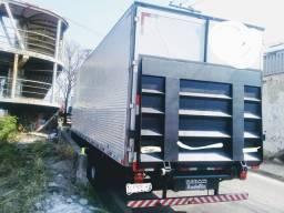 Rampa hidráulica para caminhão