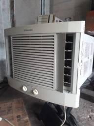 Ar- Eletrolux 7500 BTUs 110volts