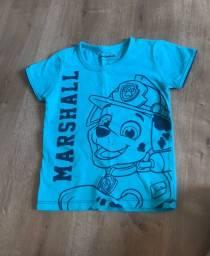 Lote camisetas infantil tamanho 3 O lote sai por R$30 ou vendo separada . Somente venda