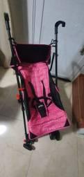 Carrinho de bebê rosa estilo guarda chuva