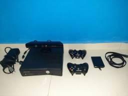 Vende-se um Xbox 360 desbloqueado.