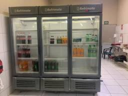 Expositor e refrigerador de bebidas