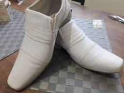 Sapato Social Branco Pouco Usado Em Bom Estado