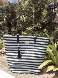 Vende-se Bolsa de Praia, necessaire, chima bag e carteirinhas
