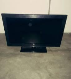 Tv LG Lcd 32 pra conserto ou tirar peça semi nova