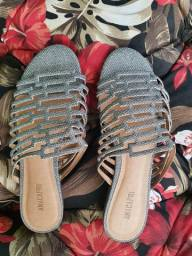 Sandália rasteira prateada