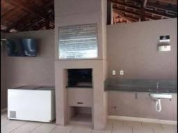Apartamento em Benfica 2 quartos, sala, cozinha, área de lavar,banheiro e varanda.