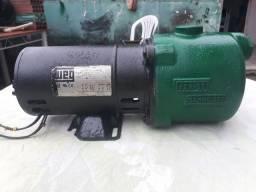 Bomba d'água auto aspirante Schneider de 1/2 CV bi-volts